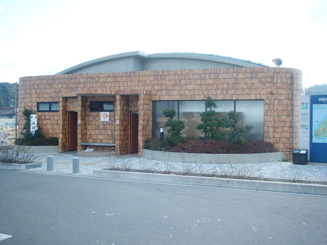 築地前公衆トイレ
